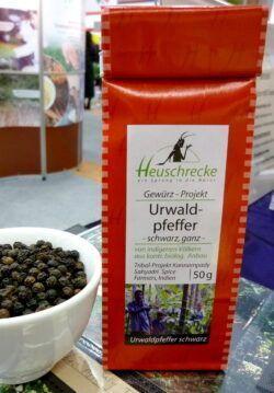 Heuschrecke Urwaldpfeffer, Tribal, schwarz, ganz, kbA 5x50g
