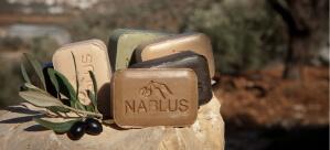 Seifen von Nablus Soap vor einem Olivenhain