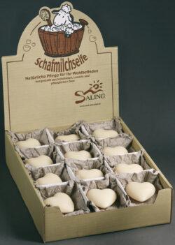 Saling Schafmilchseife Herz natur im Verkaufsdisplay mit Papiertütchen, cosmos organic zertifiziert 24x65g