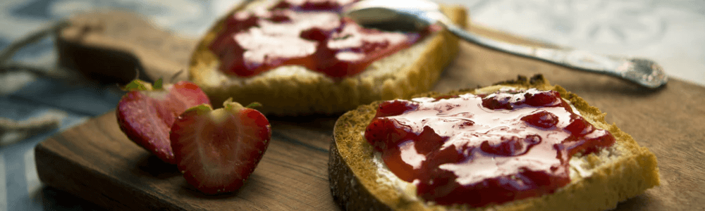 Zwergenwiese FruchtGarten Erdbeere auf Toast