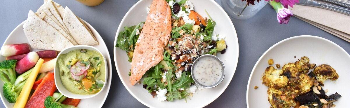 Lachs auf grünem Salat, Paprika, Sahne-Dip - Fazit Vorteile Nachteile Bio-Lebensmittel